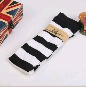 Accessories - Striped Black/White Socks